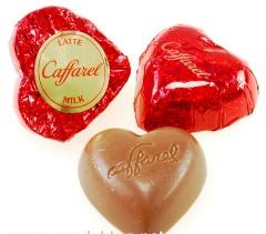 Caffarel üzenetes-tejcsokoládé szivecskék 4gr