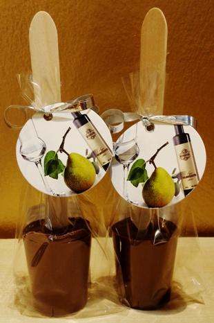 Maya Chocolate kanalas alkoholos forró csokoládé - Rézangyal Vilmoskörte pálinkás tejcsokoládé  50gr