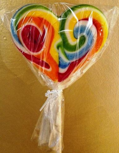 Nagy szív szivárvány nyalóka - Hurrikán málna szív 110gr