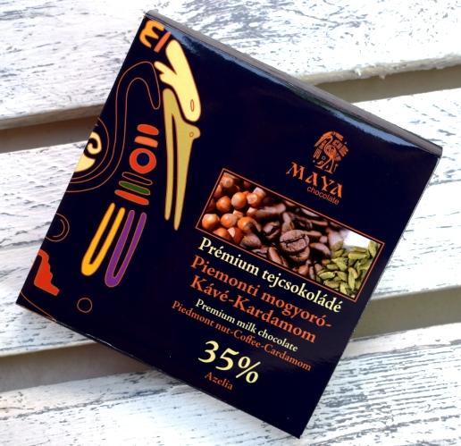 Maya Chocolate Prémium Ősi csokoládésorozat - 35% Azelia mogyorós tejcsokoládé Piemonti mogyoróval, kávéval és kardamommal 100gr
