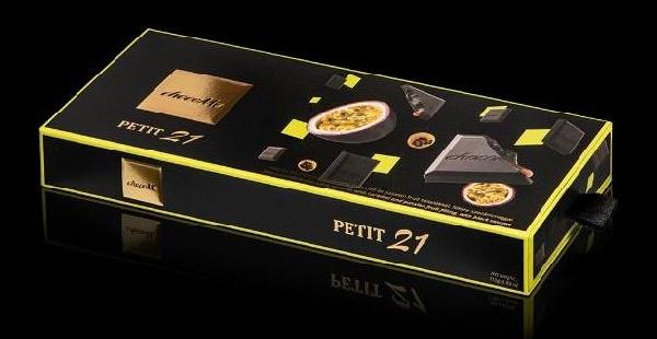 chocoMe Petit 21 ínyenc töltött desszert - Karamell, Passiógyümölcs és Fekete szezámmag 110gr
