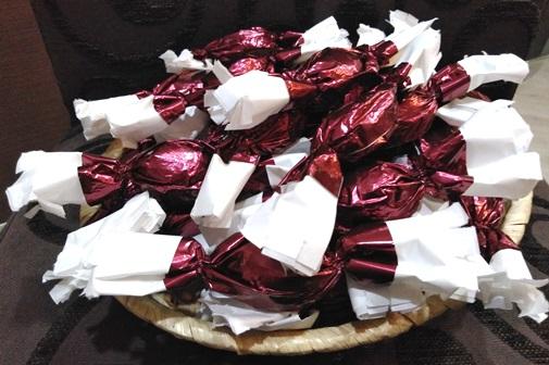 PALEO tej-glutén-cukormentes szaloncukor édesítőszerrel - Marcipán elegáns csomagolásban